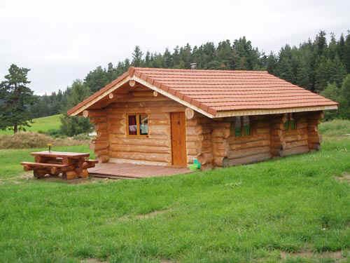 Les fustes du pilat gites bois chalet location vacance nature for Chalet en rondin de bois prix